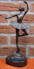 12b120-a-leonaro-ballerina-30-10-2